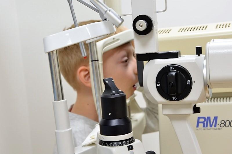 Jak przebiega badanie okulistyczne udziecka?